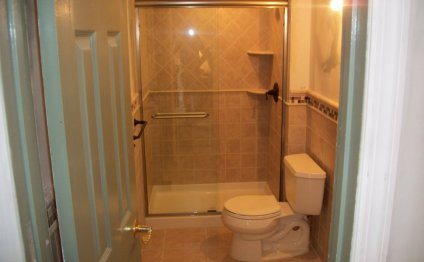 Bathroom:Small Bathroom