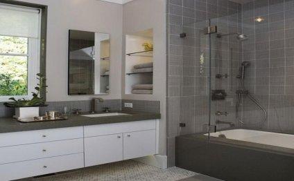 Simple but useful bath tile