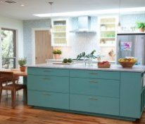 Classy Mediterranean kitchen in blue [Design: Tenney Construction]