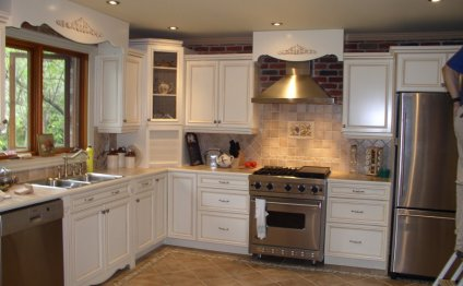 Kitchen Range Hood Design