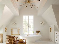 Sputnik chandelier in a white bathroom