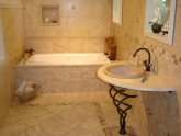 Bathroom tile Design Ideas for Small Bathrooms